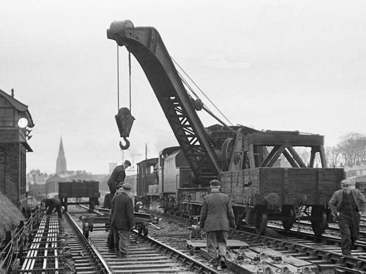 12/3/1961: GNR Steam Crane 2 during Bangor track relaying with UG No.48. (E.M. Patterson)
