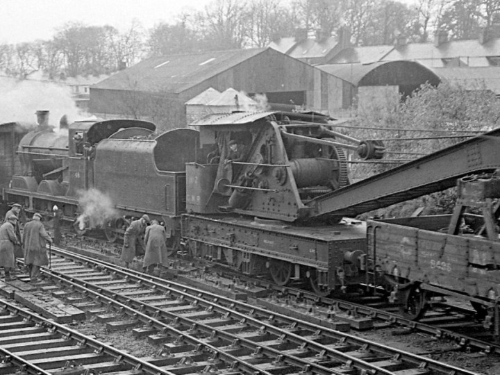 12/3/1961: GNR Steam Crane 2 at Bangor with UG 48. (E.M. Patterson)