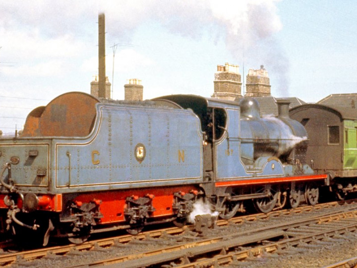 15/4/1961: U class No.197 'Lough Neagh' and tender 43 at Amiens Street. (D. FitzGerald)