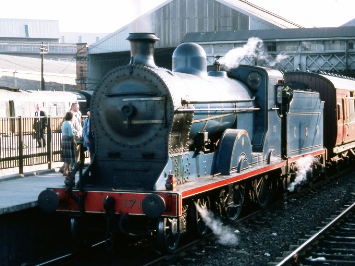 No.171 at Dublin Connolly platform 3 on Sunday 13th May 1984 as part of the