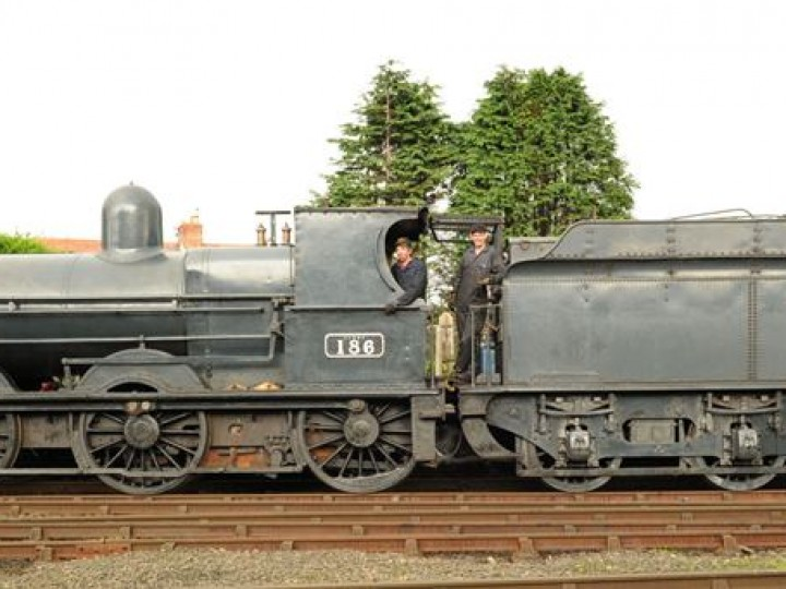 A side view of No.186 at Whitehead in 2011. (R.Edwards)