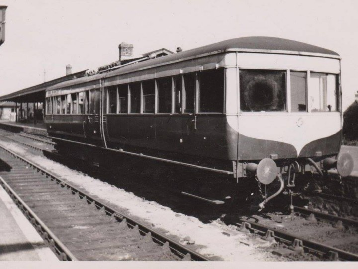 LMS NCC diesel railcar No.1 at Greenisland on 13th May 1950. (Courtesy Old Carrickfergus Postcards)