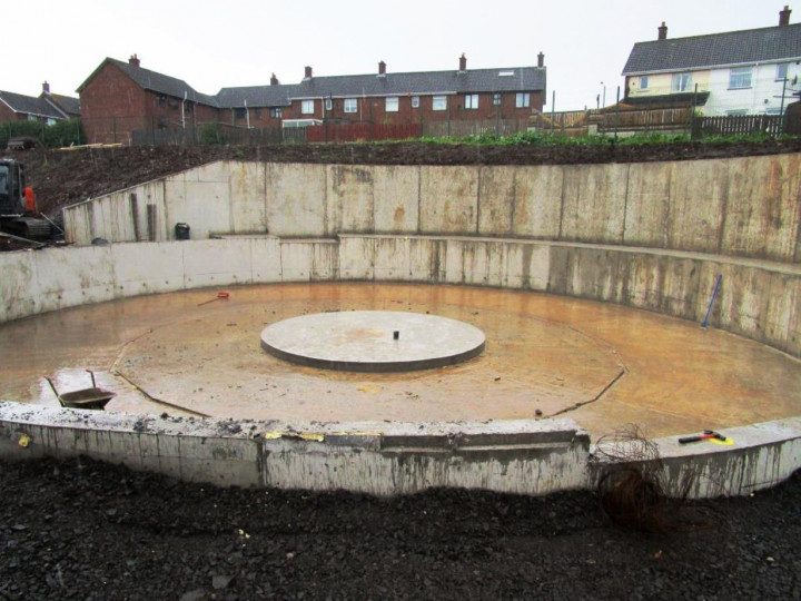 21/5/2016: The turntable pit is more or less complete, awaiting installation of the table itself and the access track.