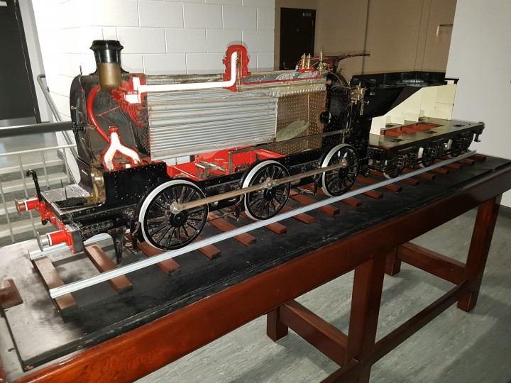 A view of the sectioned locomotive. (J.Spurle)
