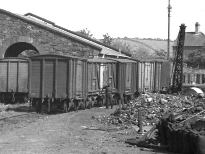 6/6/1949: Guinness van in Newtownards goods yard. (D. Coakham)