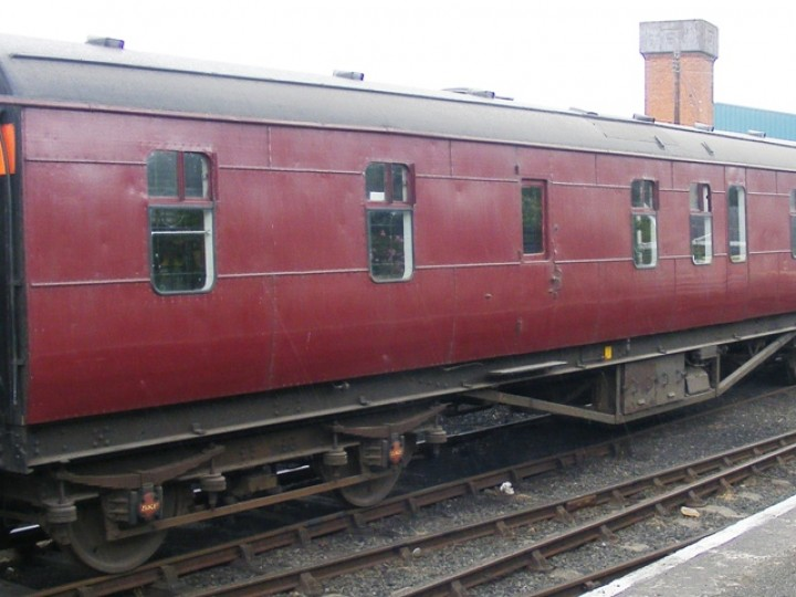 Out of main line use, 87 could easily have slowly deteriorated due to neglect. Fortunately it was decided she would have a new role - as a static tea room on our 'Summer Steam' open days at Whitehead. But the dining car was looking down at heel - financial constraints and lack of volunteers had meant that for her last years on the main line 87 had carried this maroon paint scheme, with no lining and one side had nolettering. Internally the carriage looked tatty and in need of overhaul.