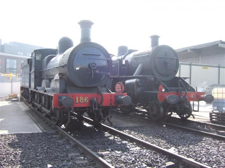 May 2008: No.186 and No.4 together at Dublin Connolly yard during the 'Barrow Bridge' railtour. (M. Walsh)