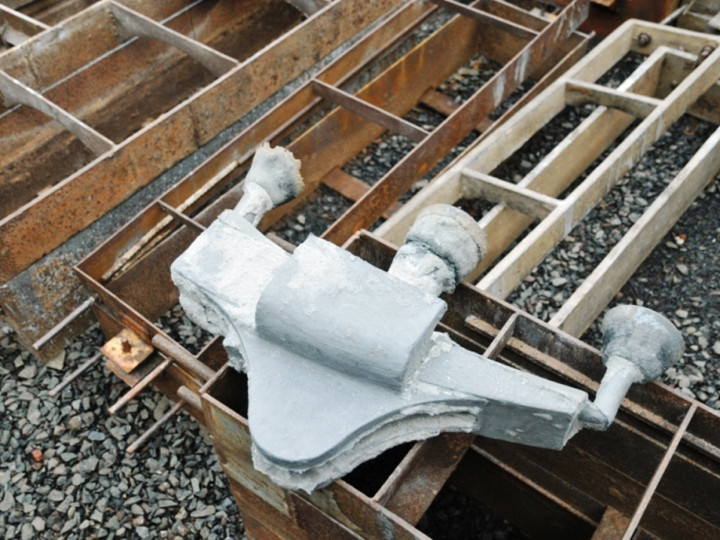 27/1/2015: The new brake block is revealed; still needs much work before it can be fitted to No.85. (C.P. Friel)