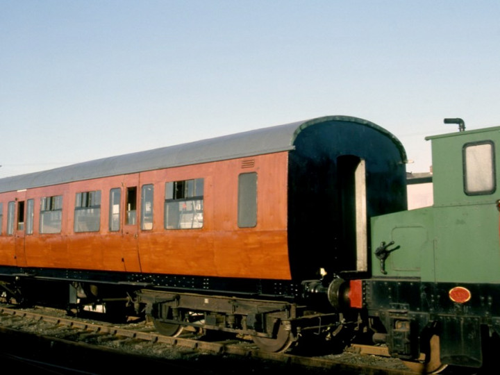 23/4/1986: 9 in mahogany scumble livery, with Brian Hill on No.23. (C.P. Friel)