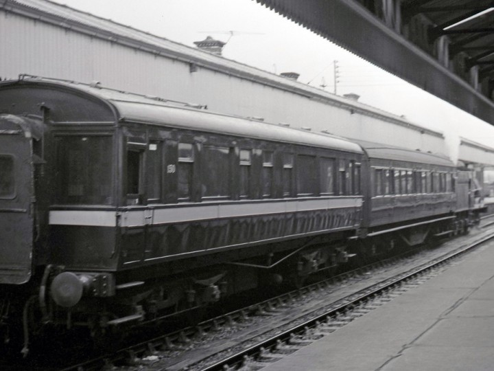 50 at Portadown platform 4 on Sunday 5/5/1968, with No.186 at the front. (C.P.Friel)