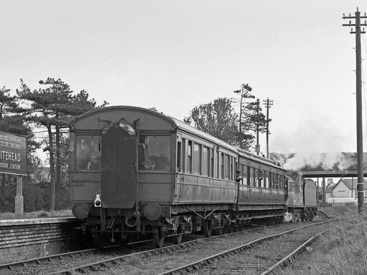 No.171 'Slieve Gullion' propels the returning King Fergus tour train (50 and 861) into Whitehead, 28/4/1973. (C.P.Friel)