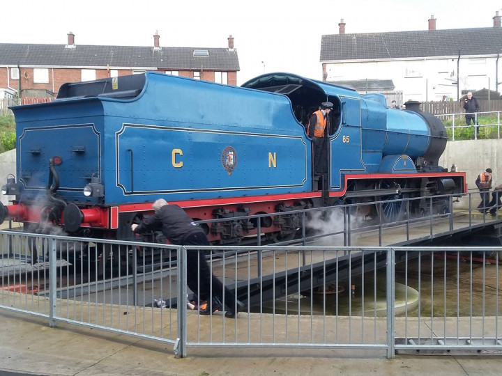 23/12/2017: No.85 is turned to be facing Dublin for the forthcoming 'Mince Pie' train. (P. McCann)